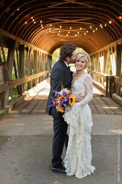 2013 10 22 2013 10 22 113357 - Casamento de sonho de Kelly Clarkson ♥ Brandon Blackstock
