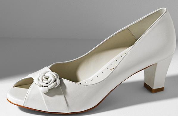 Doriani 1 - Calçado baixo e raso para noivas