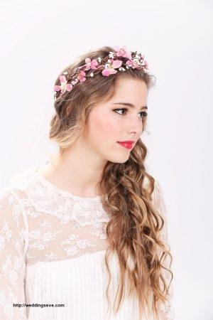 Penteado com grinalda de flores