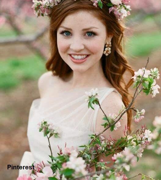 Penteado com grinalda de flores6 - Penteados com grinaldas de flores