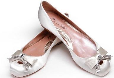arunaseth7 - Calçado baixo e raso para noivas