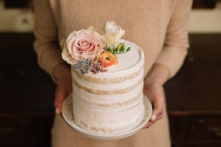Bakewell naked cake bakewell com flores