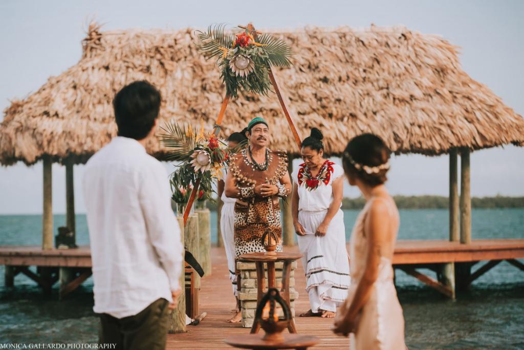 13MonicaGallardoPhotography117 1170x780 1024x683 - Destination Wedding Amy ♥ Jonathan