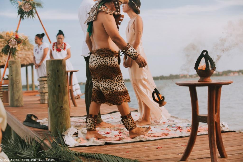 19MonicaGallardoPhotography133 1170x780 1024x683 - Destination Wedding Amy ♥ Jonathan
