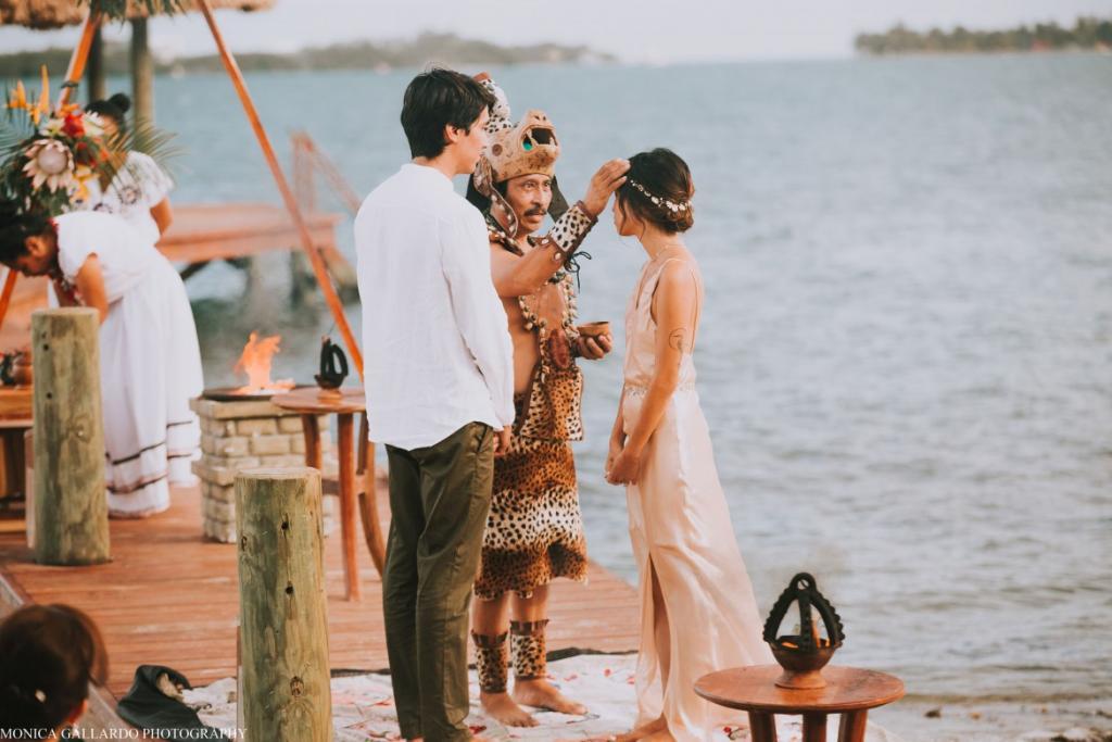 27MonicaGallardoPhotography160 1170x780 1024x683 - Destination Wedding Amy ♥ Jonathan