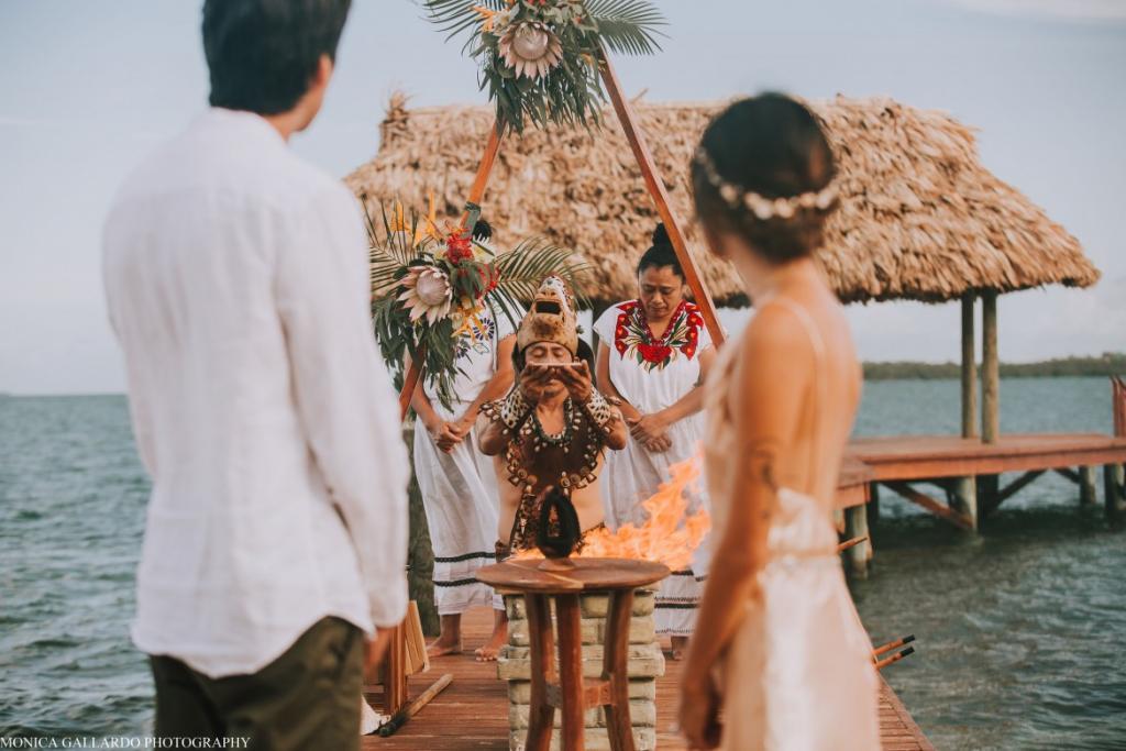 29MonicaGallardoPhotography166 1170x780 1024x683 - Destination Wedding Amy ♥ Jonathan