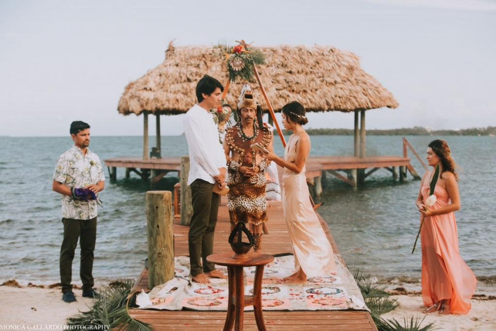 31MonicaGallardoPhotography171 1170x780 1024x683 - Destination Wedding Amy ♥ Jonathan