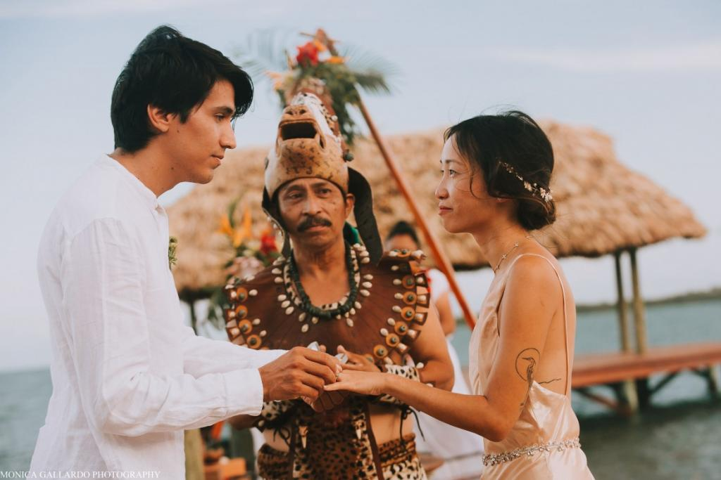 38MonicaGallardoPhotography190 1170x780 1024x683 - Destination Wedding Amy ♥ Jonathan