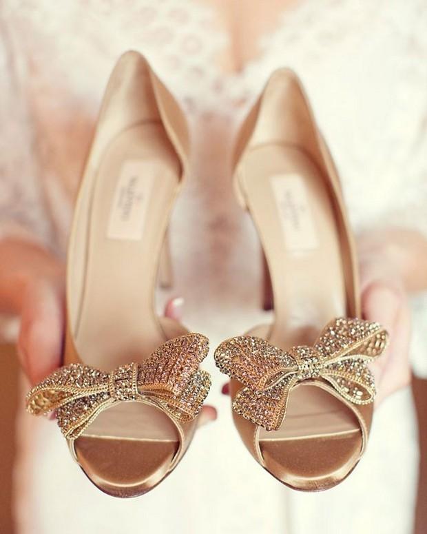 Valentino Foto by Sarah Kate - 10 das marcas de sapatos mais populares entre as noivas