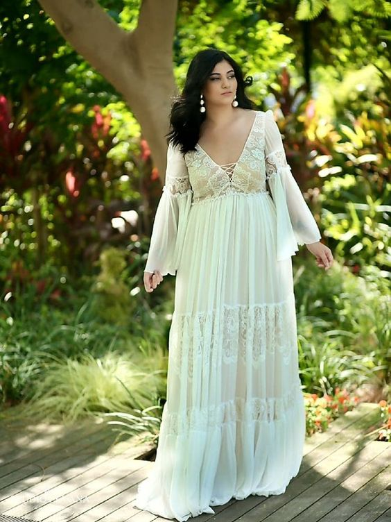 4Foto via Pinterest - Vestidos de Noiva Boho plus size