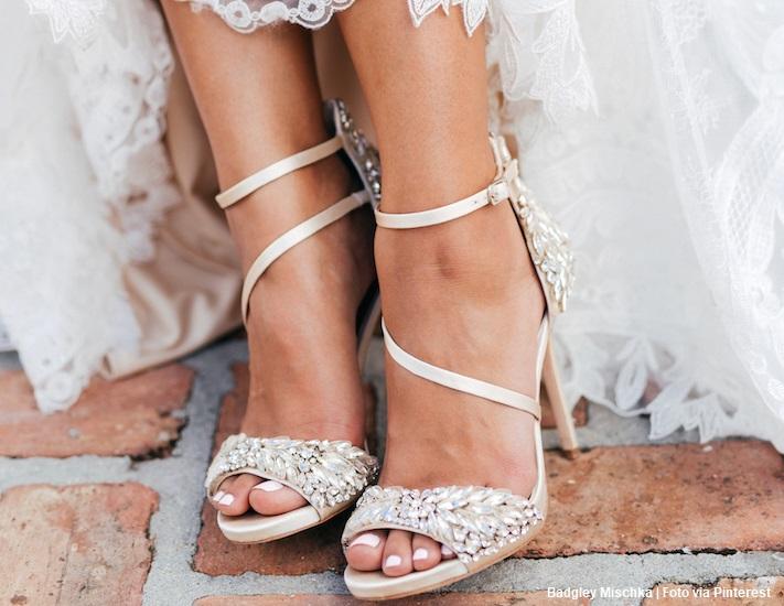 Badgley Mischka capa 1 - 10 das marcas de sapatos mais populares entre as noivas