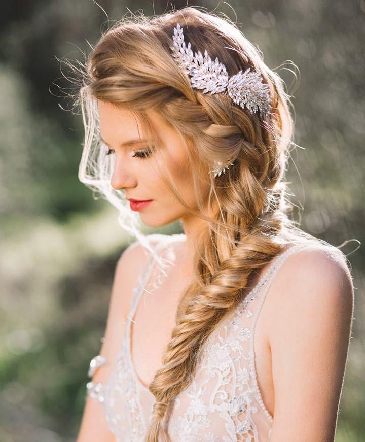 Foto via revista Elle - Inspirações de penteados para noiva boho