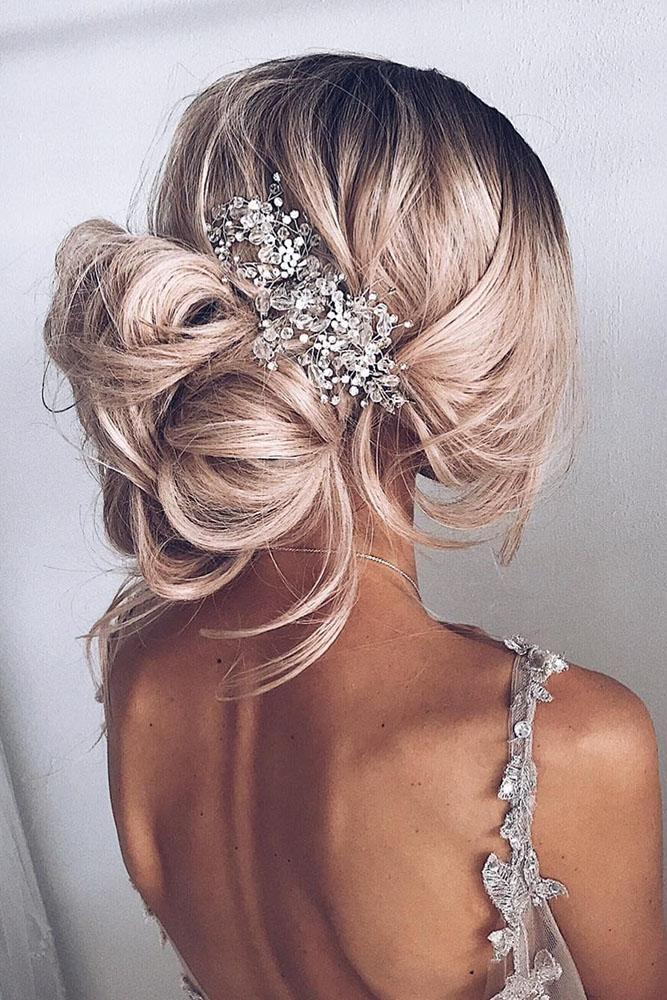 ulyana.aster .bridal via instagram - Inspirações de penteados para noiva boho