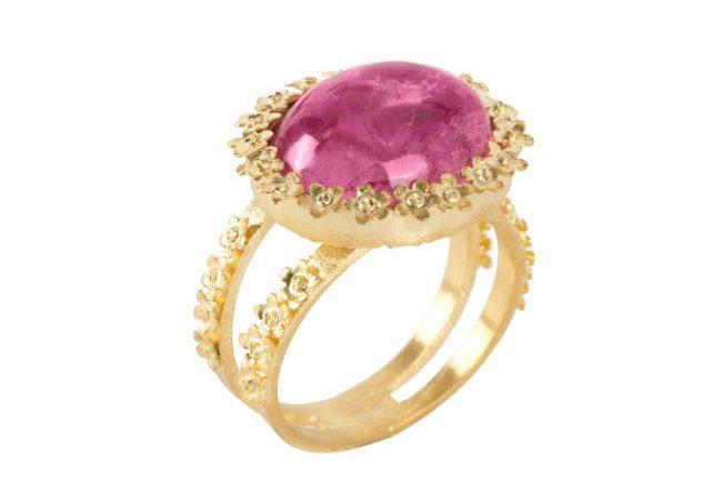 Casamento tons de vermelho anel 650x434 - Casamento em tons de vermelho