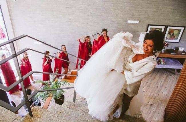 Casamento tons de vermelho damas honor 650x429 - Casamento em tons de vermelho